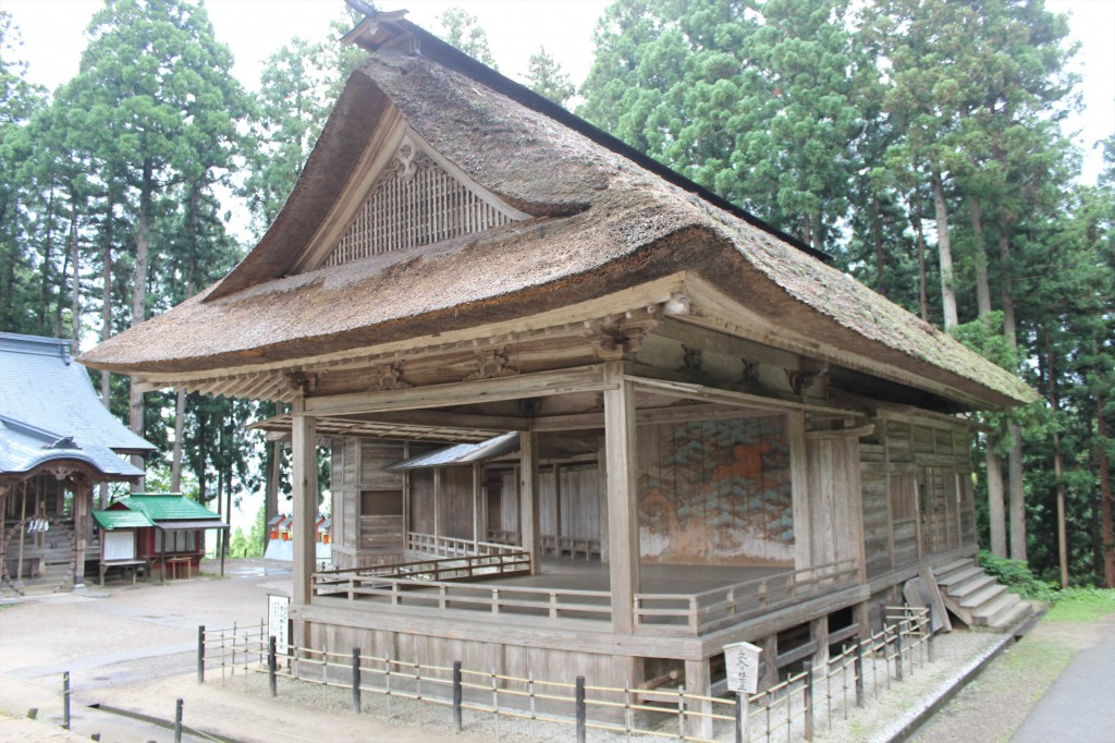 Noh stage in Chusonji Temple